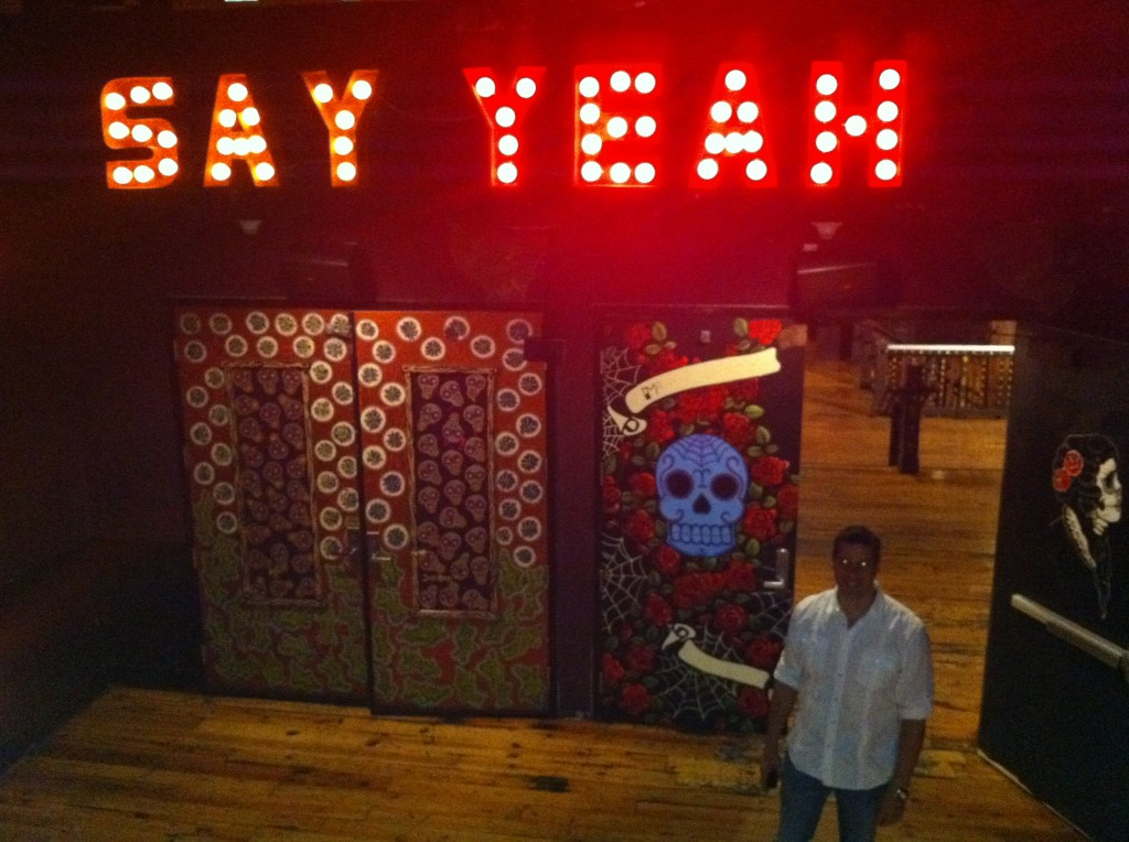 say yeah sign at house of blues