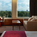 Feel the 5 Stars at London's Royal Garden Hotel