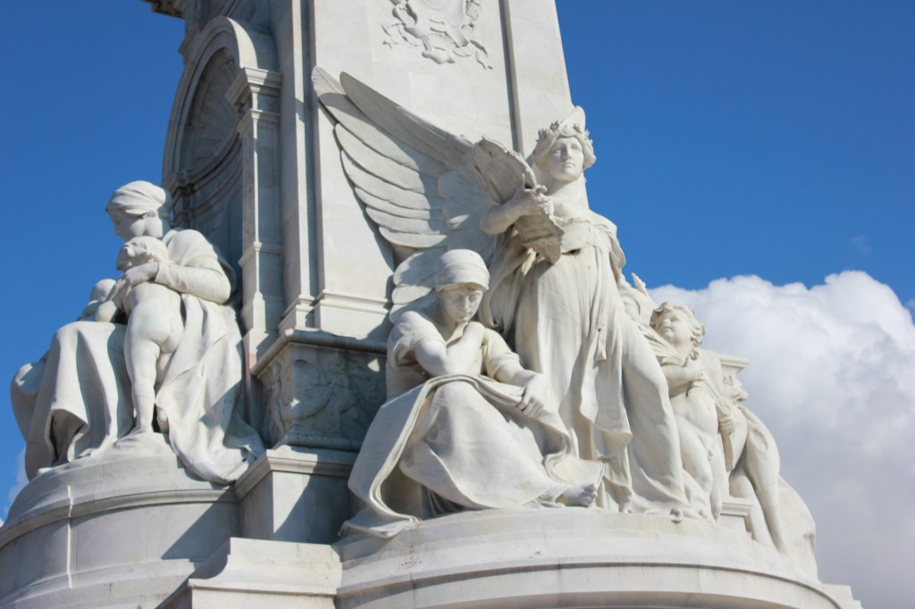 Queen Victoria Statue at Buckingham Palace
