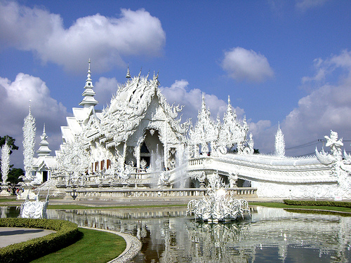 Things to do Before You Die: See The White Temple of Chiang Rai