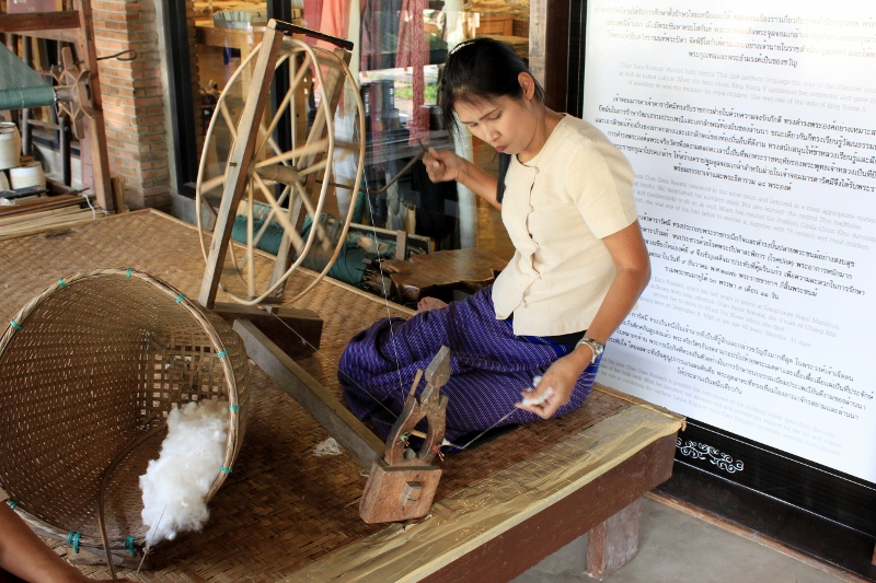 Chiang Mai Handicraft Tour