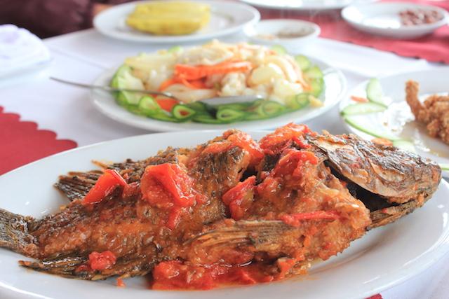 lunch on the boat in Ha Long Bay Vietnam
