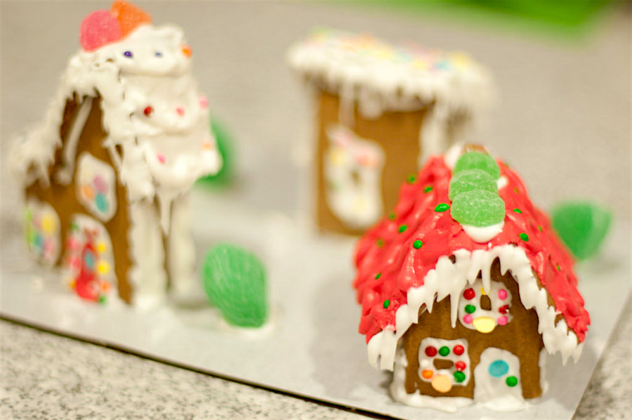 Foodie Things to Do: Make a Miniature Gingerbread House