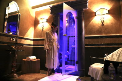 Annette Slowik White having the Rasul Ceremony at the Atlantis Casino Resort Spa
