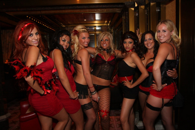 kandy kruise red light party