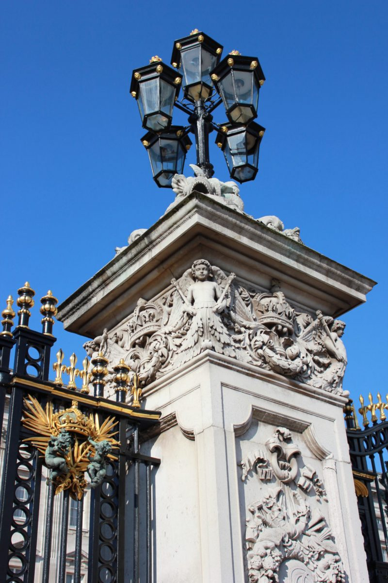 A guide to changing of the guard at london s buckingham palace