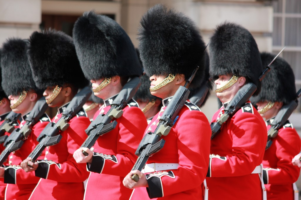 A Guide to Changing of the Guard at London's Buckingham Palace
