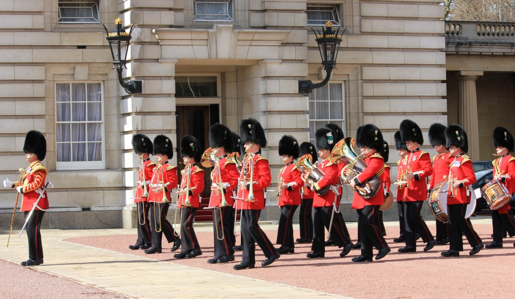 See the Changing of the Guard in London: Life List: 100 Amazing Things To Do Before You Die