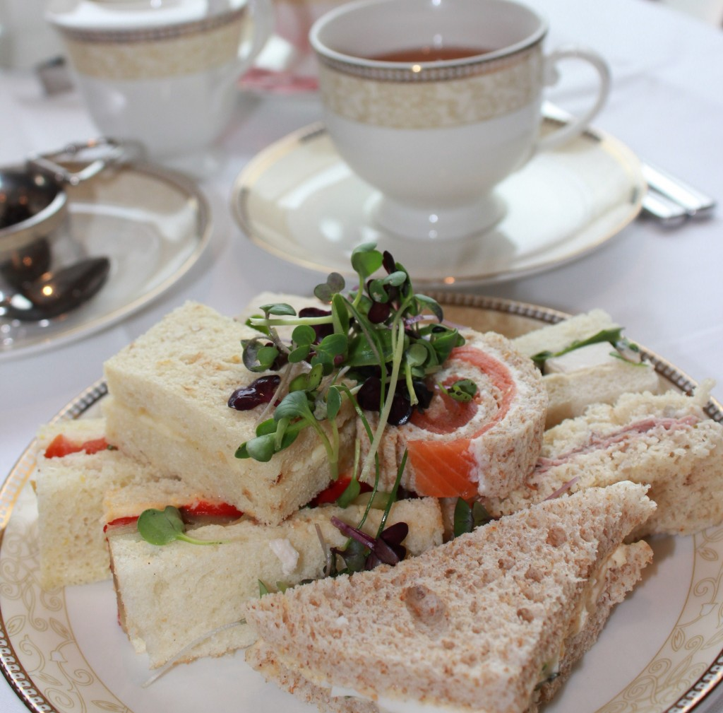 Life List: 100 Amazing Things To Do Before You Die: Have Afternoon Tea in London