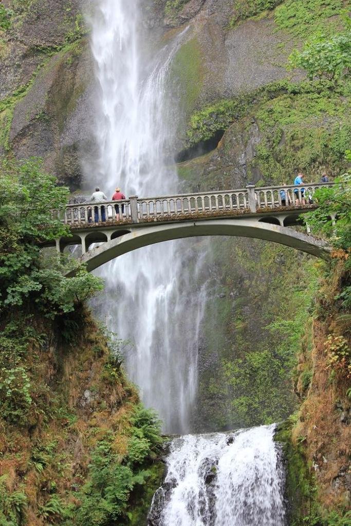 Multnomah Waterfall from the Bottom