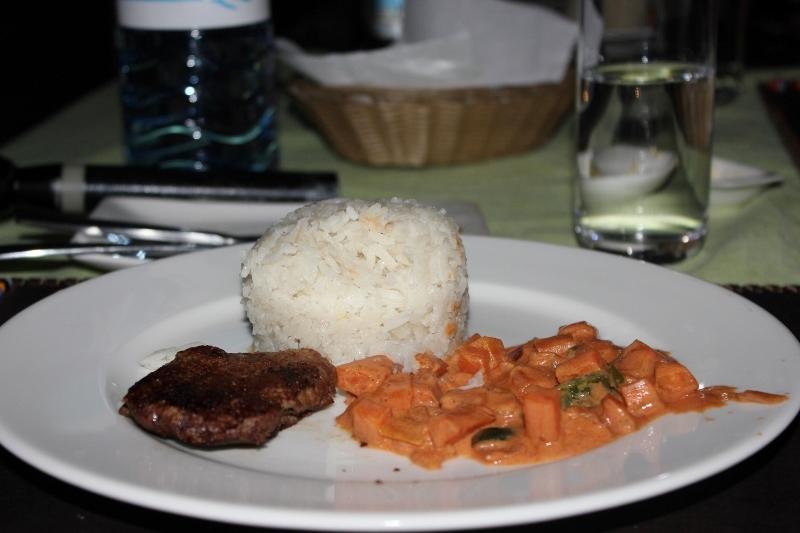 Glamping Serengeti Dinner