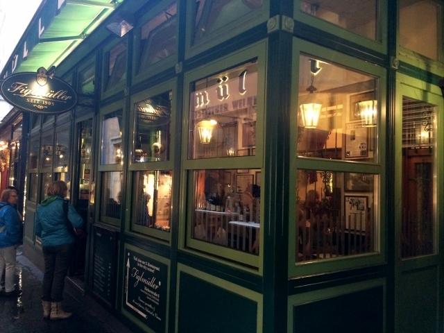 wiener schnitzel restaurant in Vienna, Austria