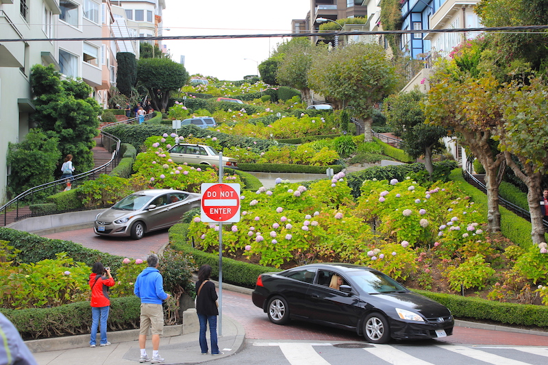 Crookedest Street | San Francisco Bucket List: Best Things to Do in the Fun City of SF