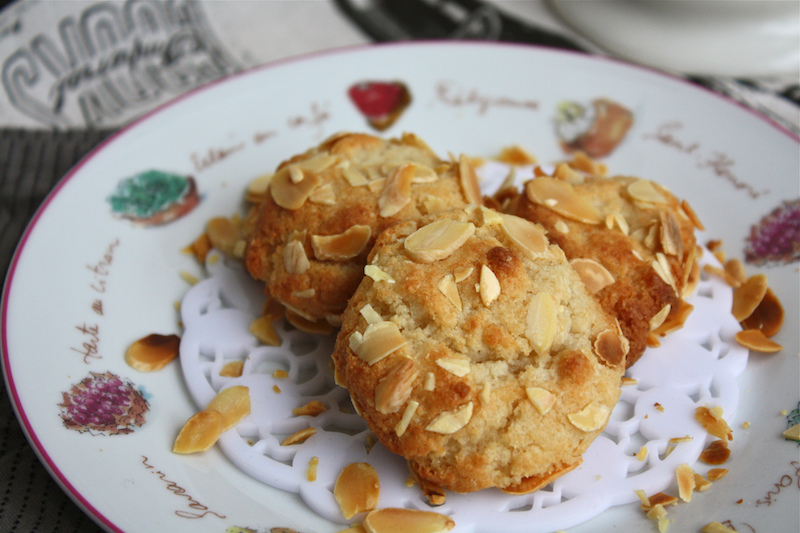 Amygdalota - Greek Almond Cookie