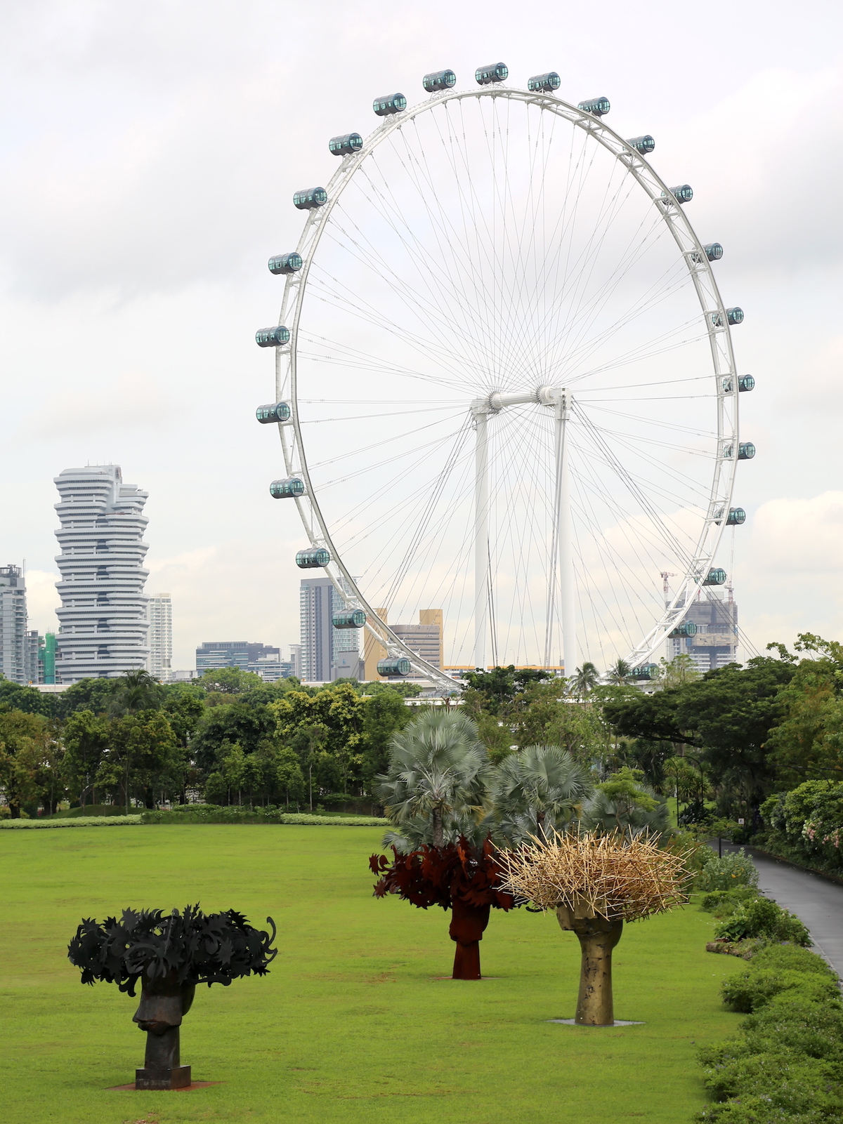 View of the art and Singapore Flyer