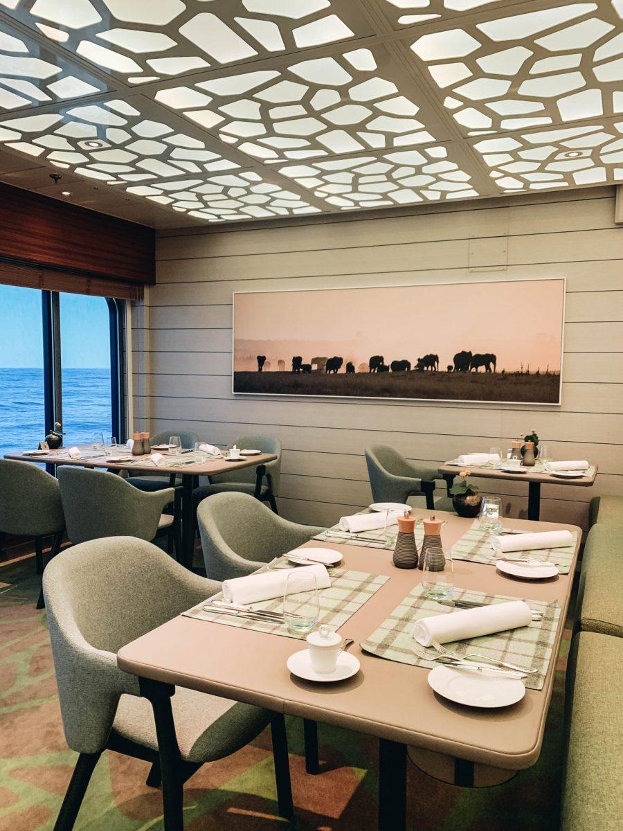 Hanseatic Restaurant on Hapag-Lloyd Hanseatic Expedition Cruise Ship